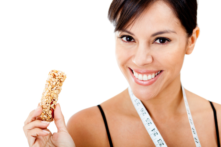 Learn about buying and making your own healthy granola bars! | http://blog.healthadvocate.com/?p=2836